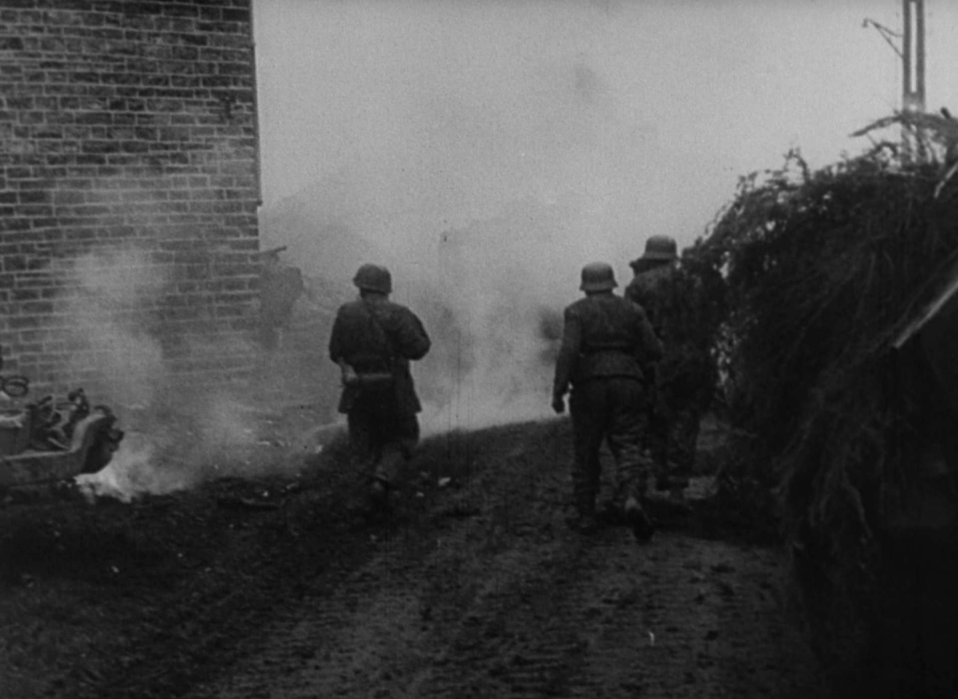 SS Panzergrenadiers and Fallschirmjager mop up in Stoumont.