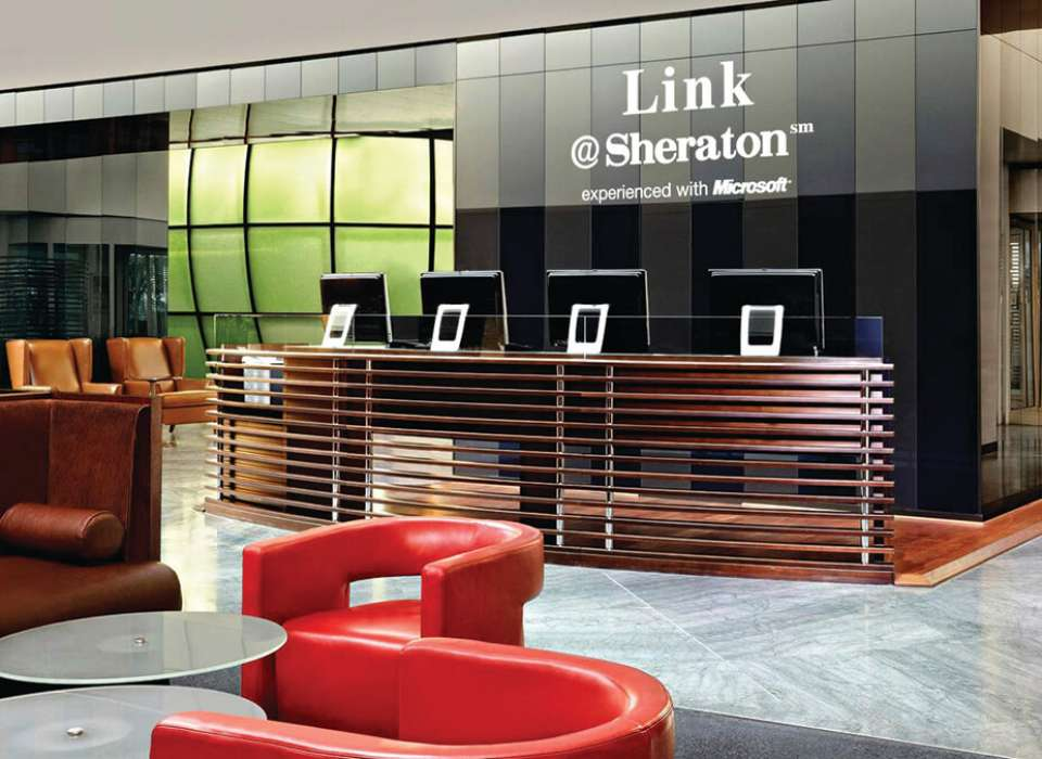 Sheraton Paris Airport Hotel & Conference Center front desk
