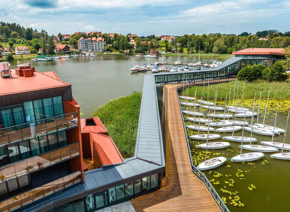 Hotel Mikolajki boardwalk