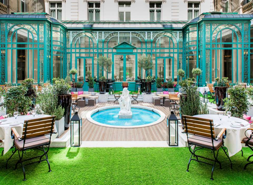 The Westin Paris Vendôme courtyard