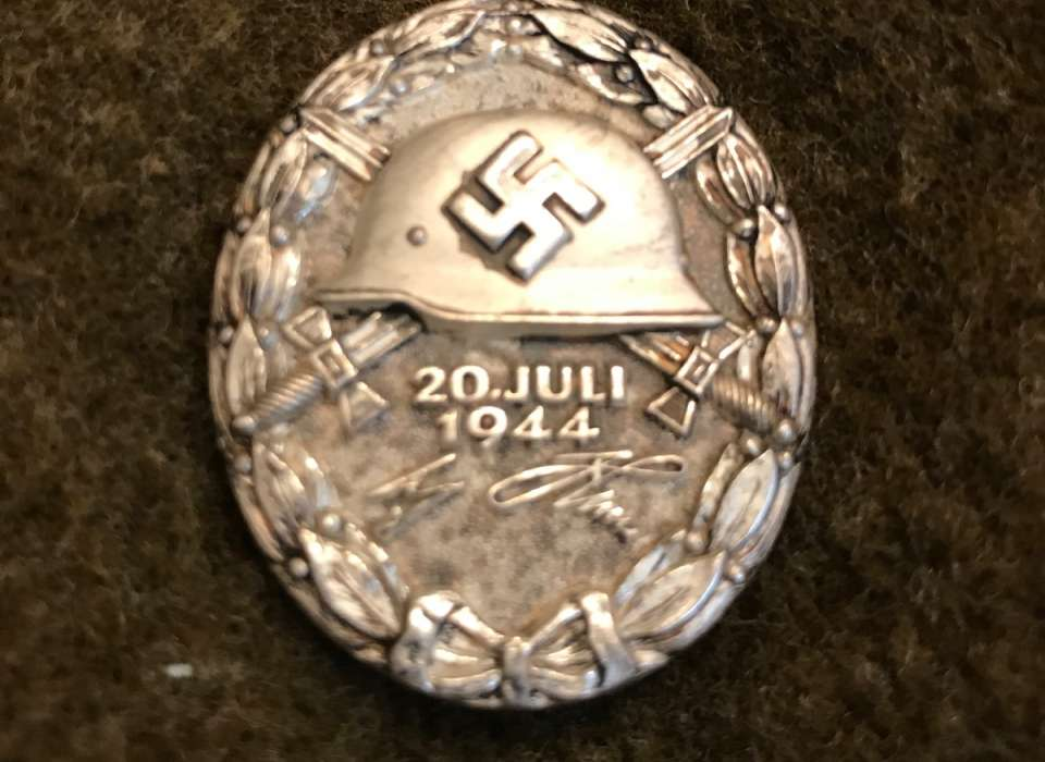 Looting the Reich: German Wound Badge | The National WWII Museum