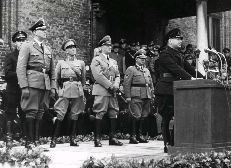 Photograph of nazi leadership in Amsterdam